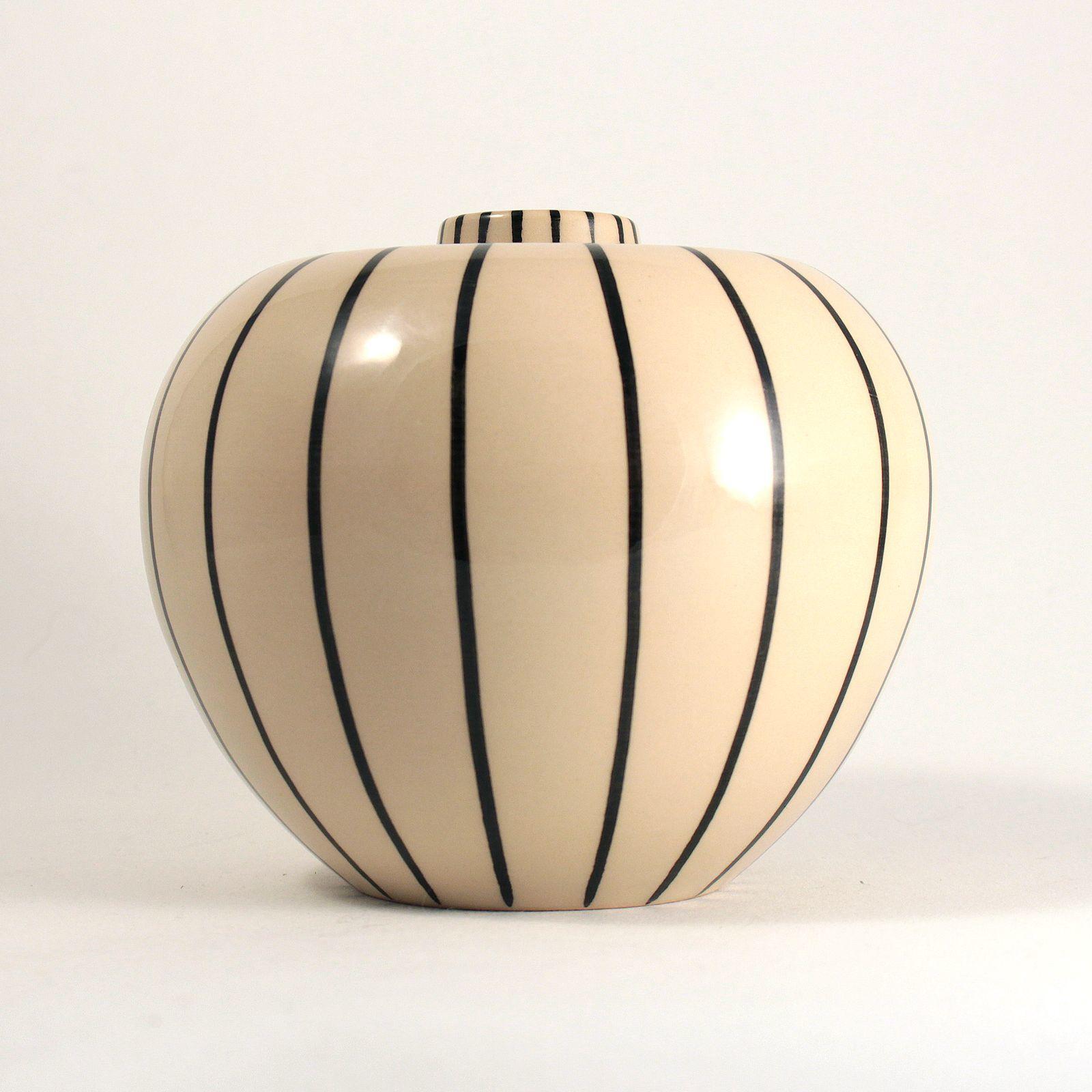 ritz vase mit streifen hb werkst tten f r keramik formost. Black Bedroom Furniture Sets. Home Design Ideas